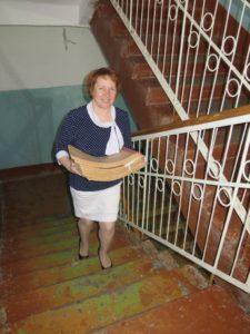 Рослякова Т.Ю.. Путь из архивохранилища на 3 этаж в рабочую комнату