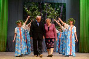 супруги Александр Иванович и Фаина Петровна Тяжельниковы празднуют 55 лет совместной жизни.